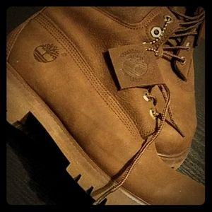 Men's Timberland boot(9 unworn)